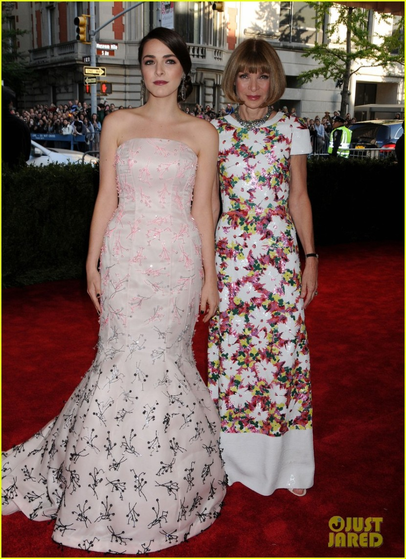 anna-wintour-met-ball-2013-with-bee-shaffer-04