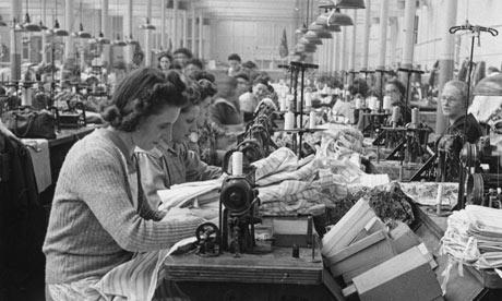 October-1947--Women-at-wo-001