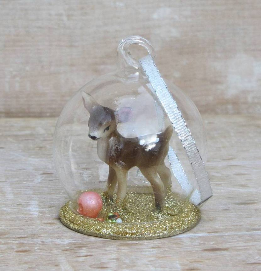 original_ornamental-deer-christmas-globe
