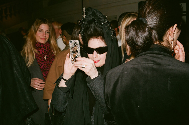 031014_Paris_Fashion_Week_Parties_Street_Style_slide_28