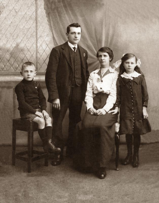 bwold_family_portrait