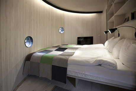 735_birds_nest_interior1_a