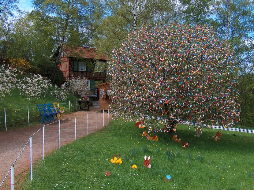 easter eggs tree1