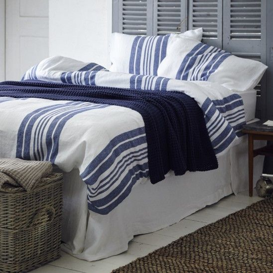 soak and sleep maison bentley style. Black Bedroom Furniture Sets. Home Design Ideas