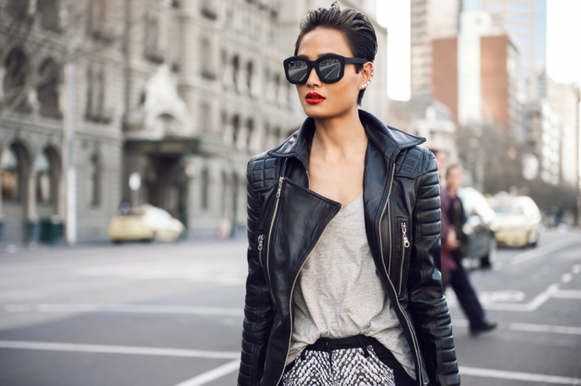 Micah-Gianneli_Top-fashion-style-beauty-blogger_Rihanna-Riri-style_Street-style_Balmain-Burberry-leather-biker-jacket_Lya-Lya_Short-Hair-women_-31-1100x732