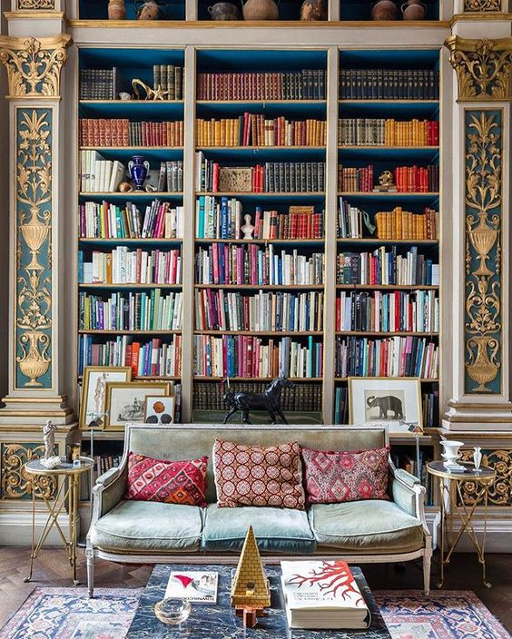 Books for thought maison bentley style for Decoration maison winners